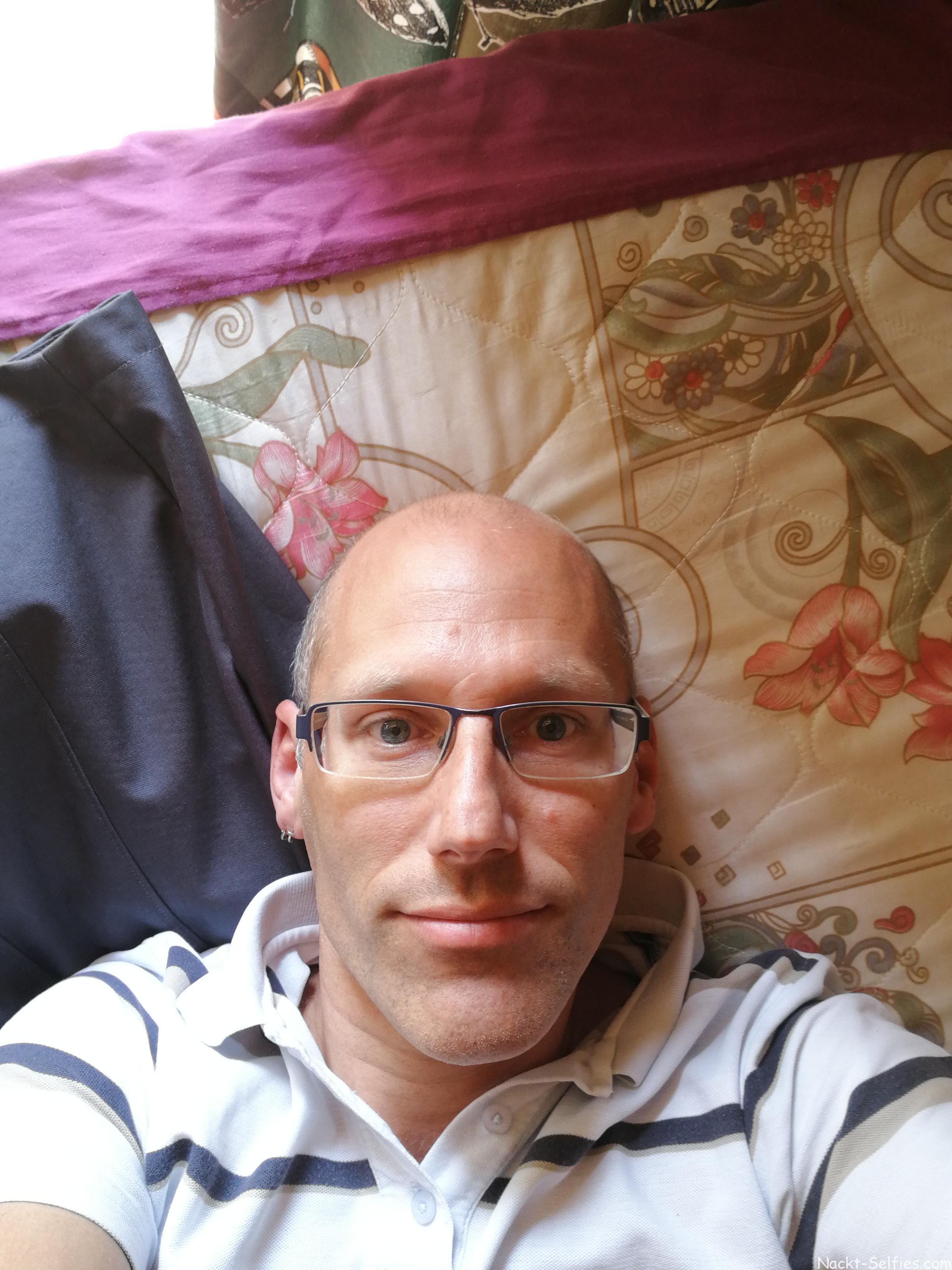 15041763508051472516216 Nackt Selfies und echte private