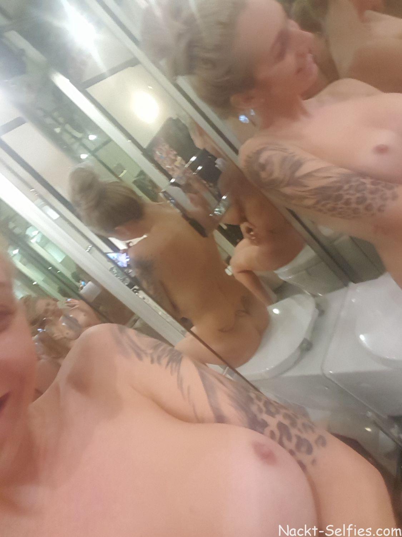 Amateur Nackt Selfie Evelyn 05