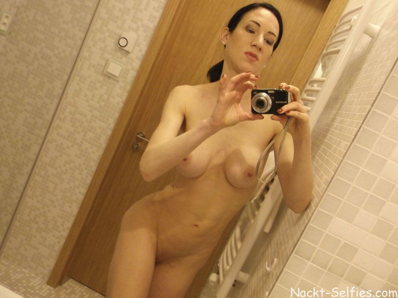Amateur nackt selfies