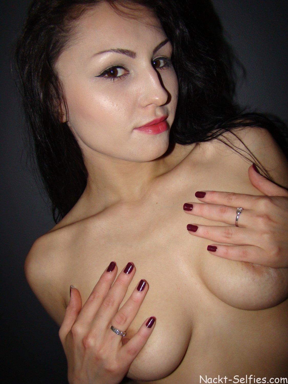 Amateur Nacktfoto Xenia 02