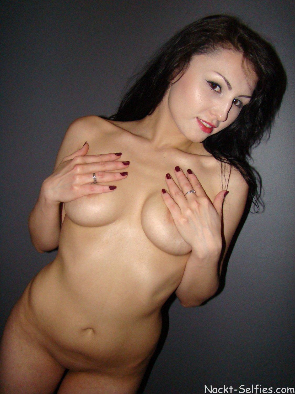 Amateur Nacktfoto Xenia 06
