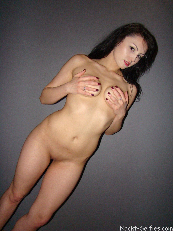Amateur Nacktfoto Xenia 07