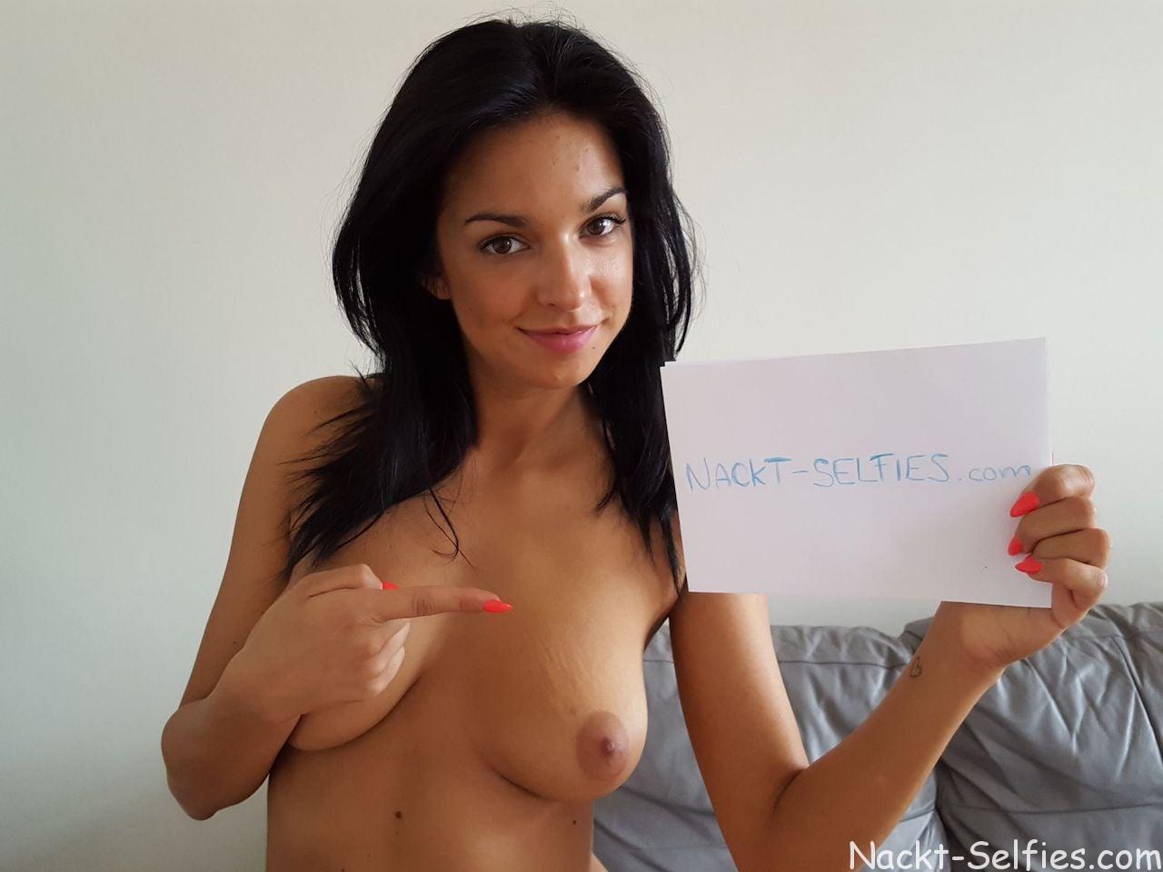 Amateur Nacktfotos Angelique