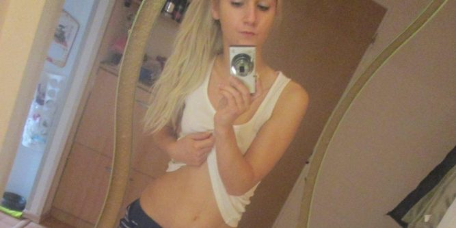 18 Jährige Frau Nackt