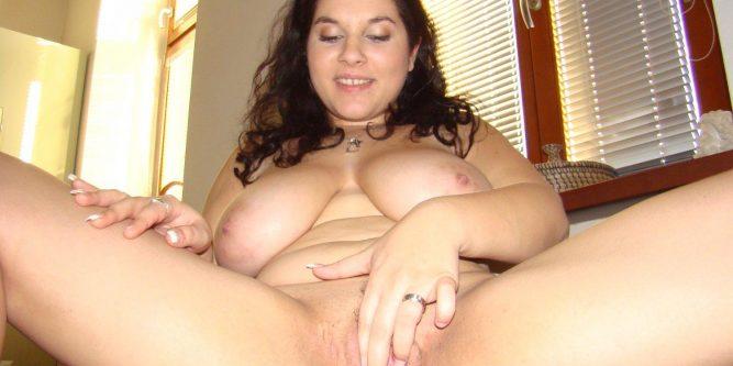 Molliges MäDchen Nackt