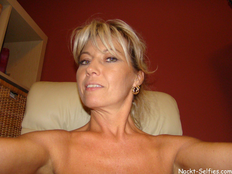geile Milf Selfies nackt Regina