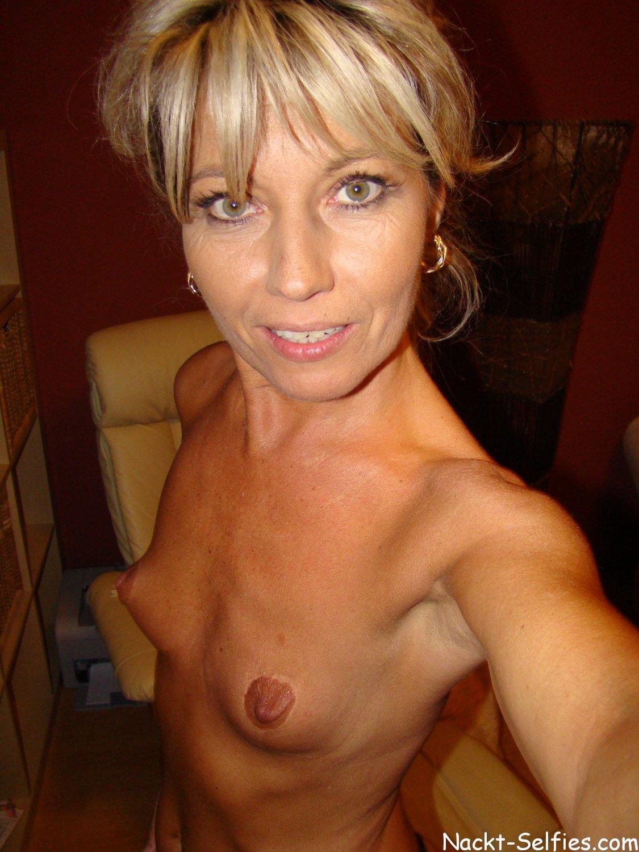 Geil Milf Selfie nackt Regina 01