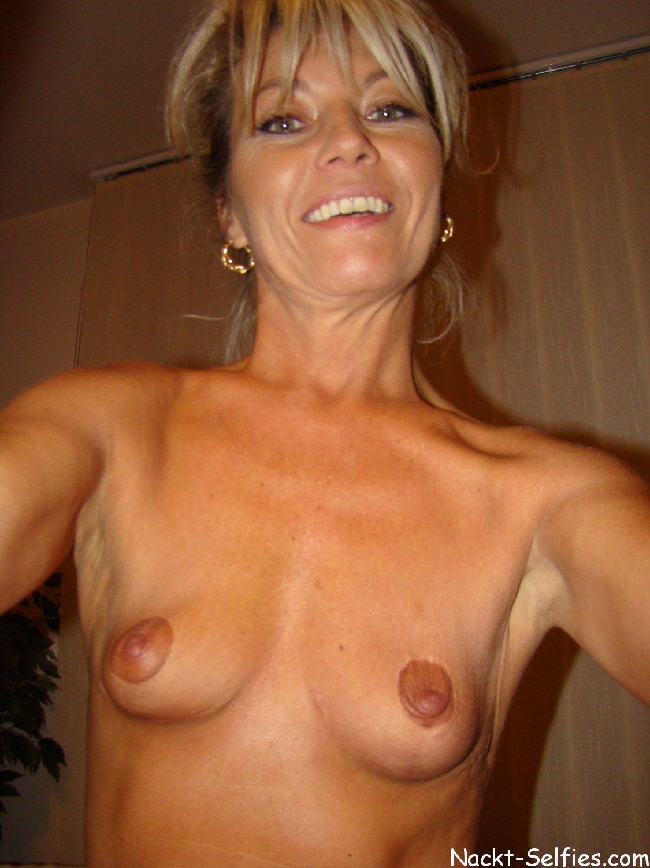 Geil Milf Selfie nackt Regina 03