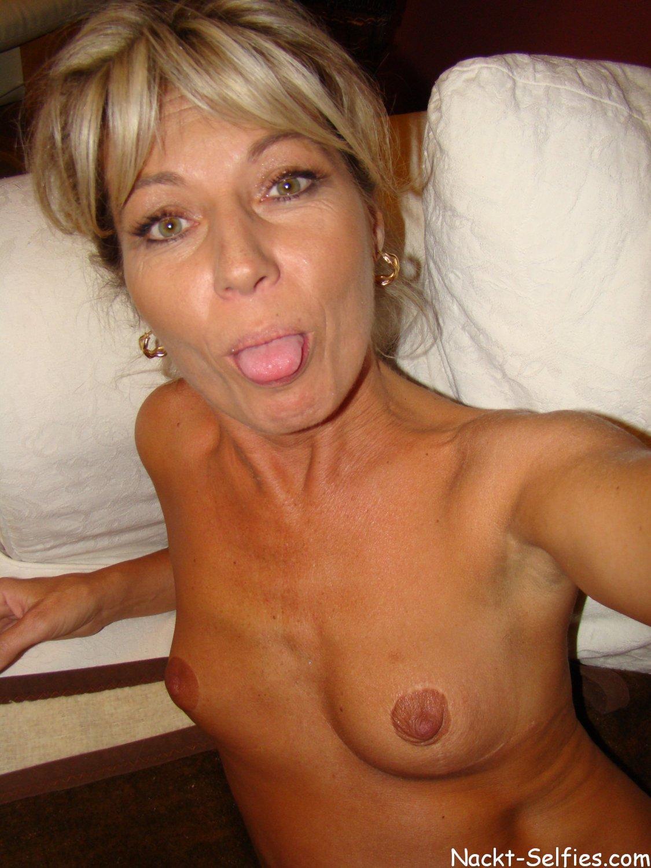 Geil Milf Selfie nackt Regina 04