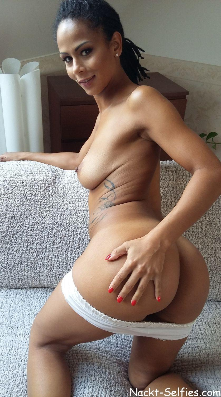 Isabella Bild nackt-selfies.com 04
