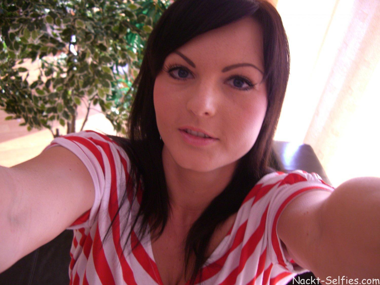Meine ersten Nackt Selfies Cindy