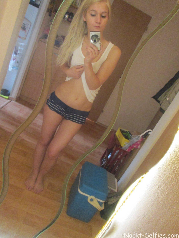 geiler Selfshot von Melina (18)