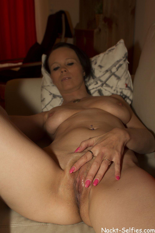 privates Nacktbild 09 von Milf Kathleen