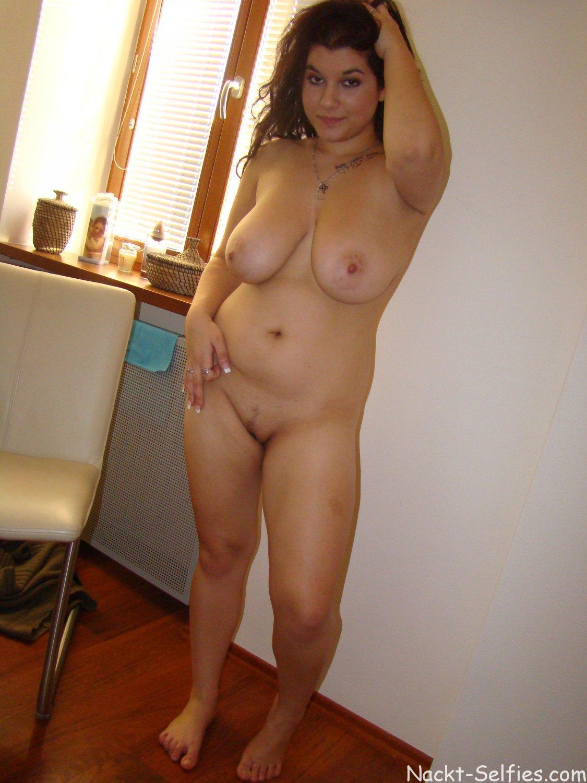 Molliges Mädchen nackt Dana 04