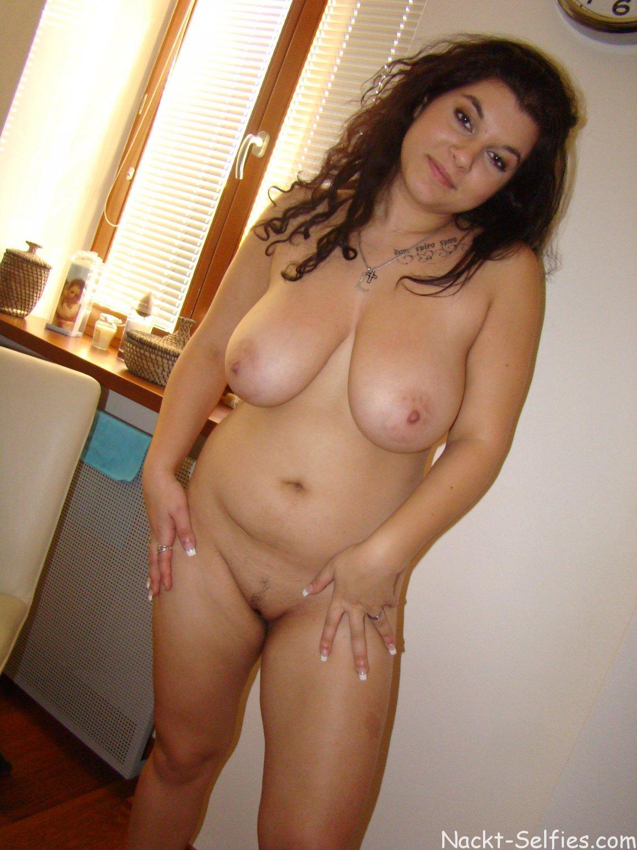 Molliges Mädchen nackt Dana 05
