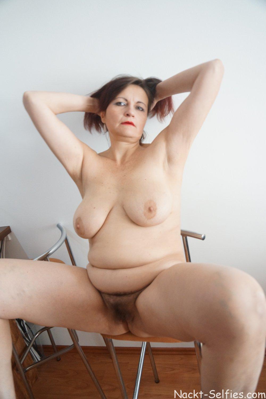 Mutti macht sich nackt Barbara 06