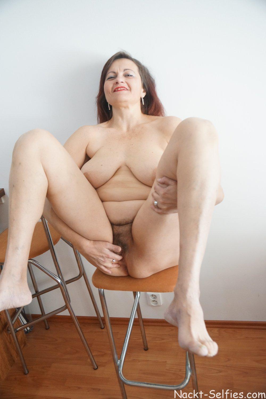 Mutti Nackt