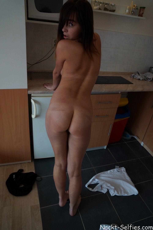 Nackt Selfie Amateurin Elisa 06