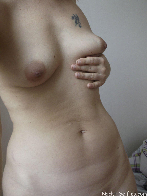 Nackt Selfie geile Alexa 04