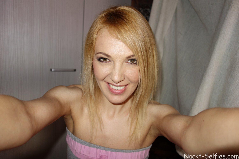 Nackt Selfies Milf Irina