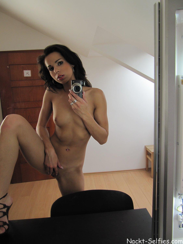 Nackt Selfshot Mädchen Sylvia 02