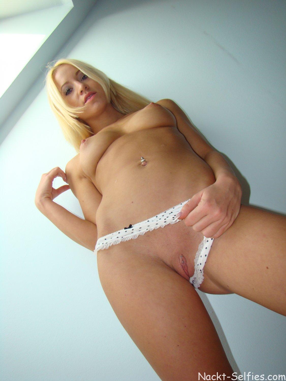 Nacktbild blondes Teen Katlin 02