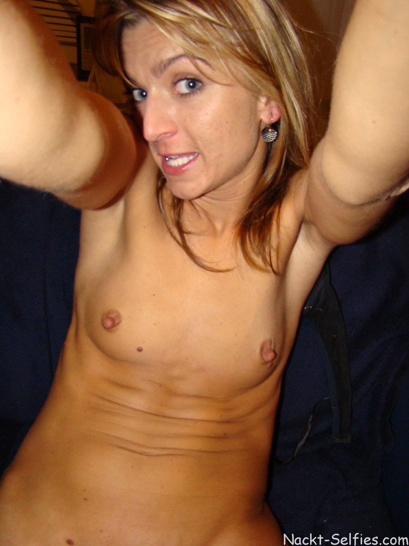 Nacktes Amateur Selfie Mutter 07