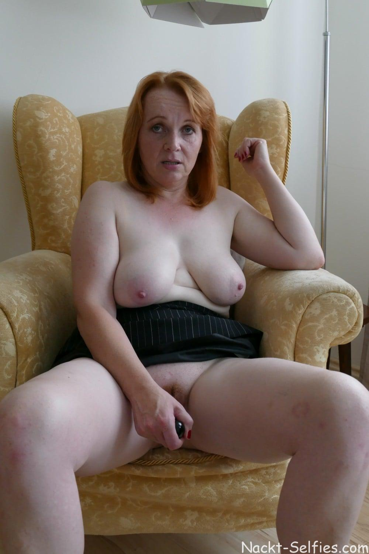 Nacktfoto rothaarige Milf Jana 05