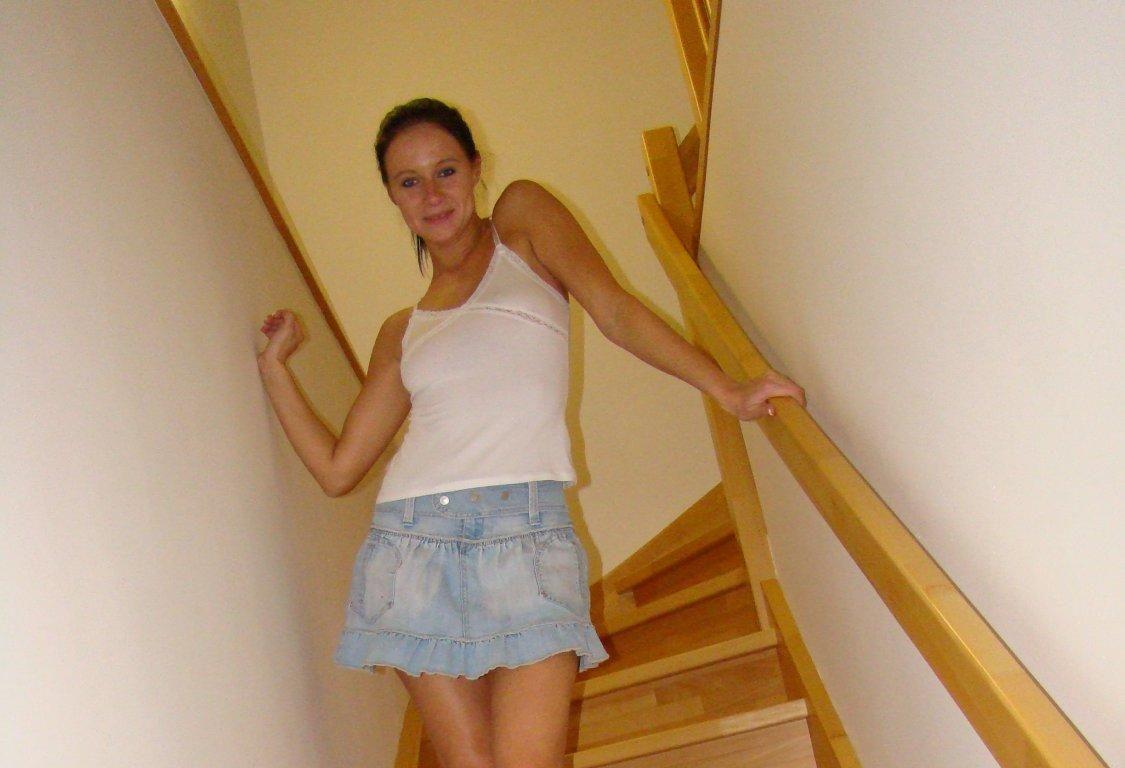 Private Nacktfotos Angelika mit haariger Fotze