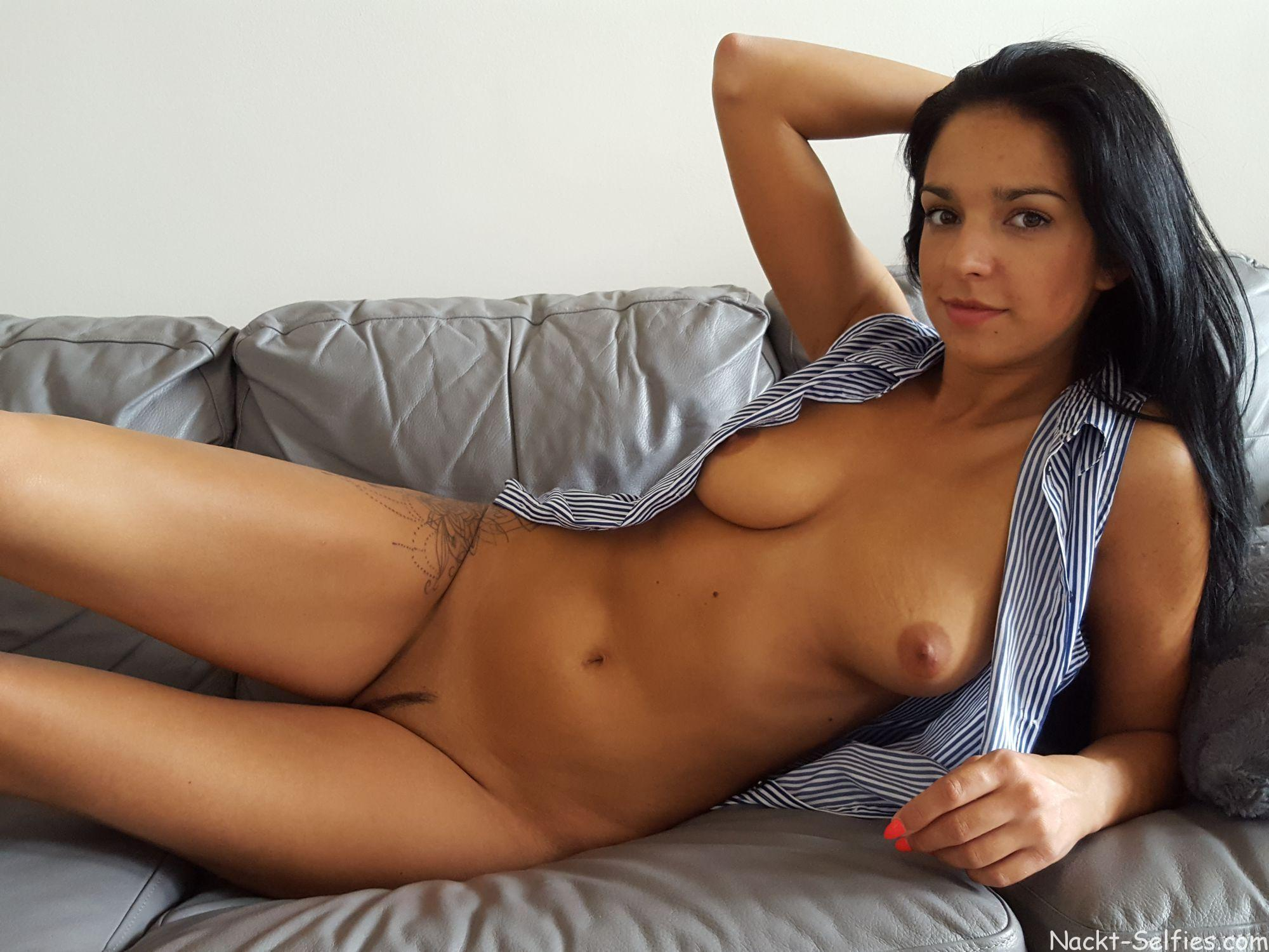 Privates Nacktbild Angelique nackt-selfies.com 01