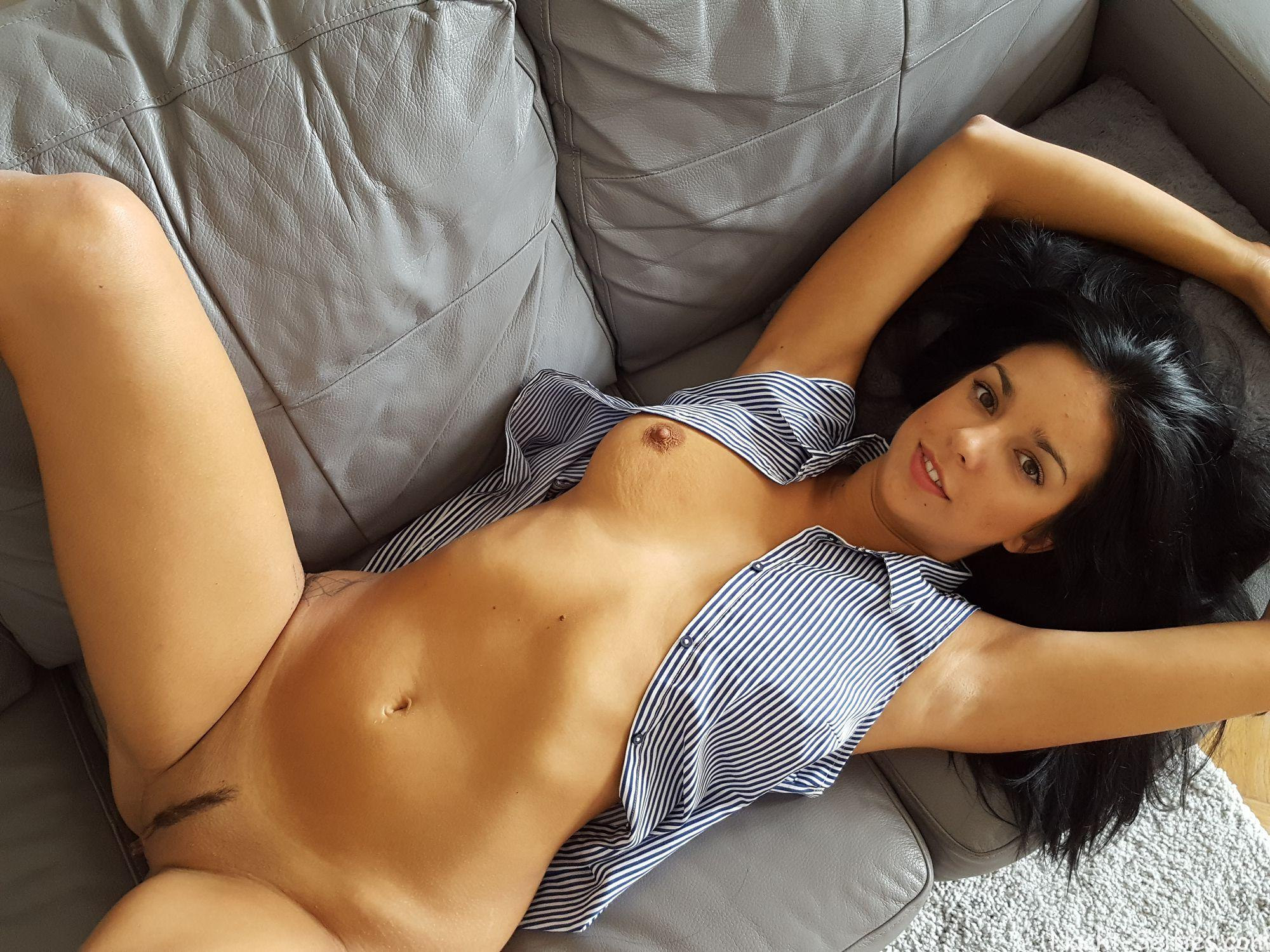 Privates Nacktbild Angelique nackt-selfies.com 02