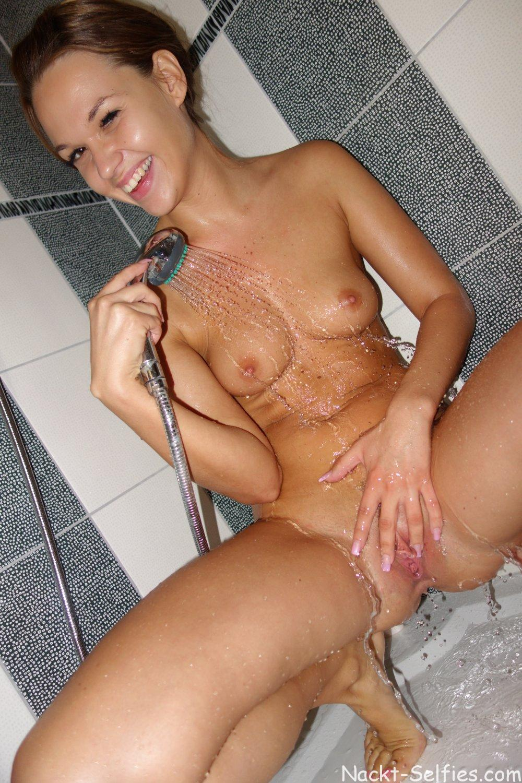 Privates Nacktbild Teen Lola 01
