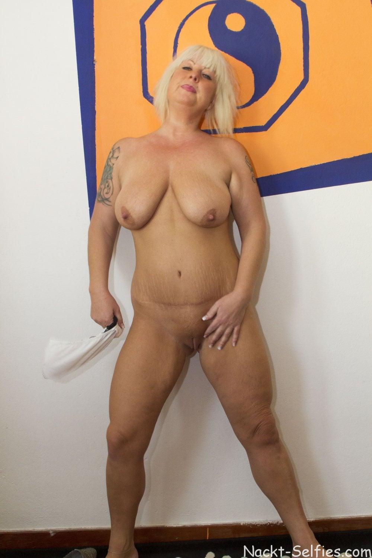 Reifes Nacktbild geile Milf Moni 01