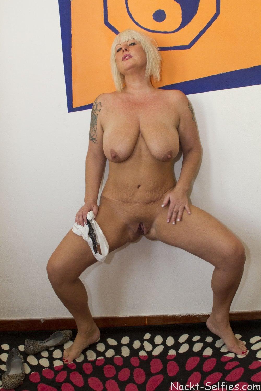 Reifes Nacktbild geile Milf Moni 02