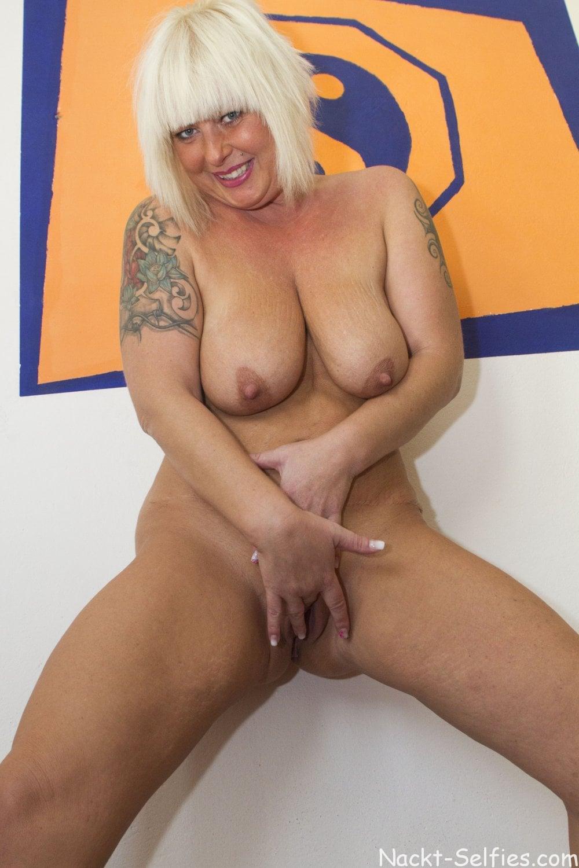 Reifes Nacktbild geile Milf Moni 04
