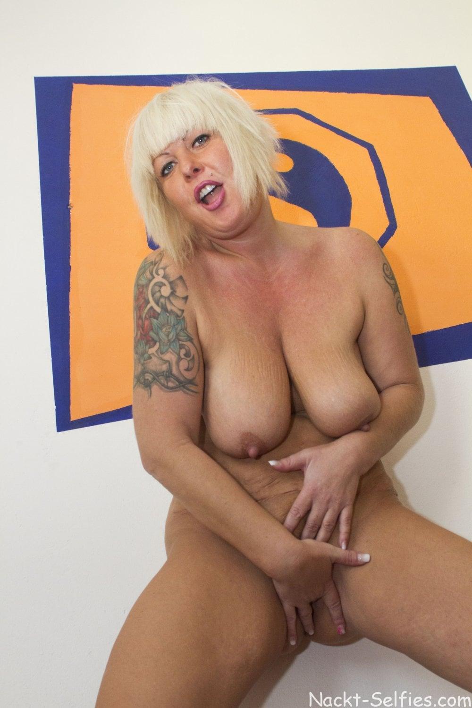 Reifes Nacktbild geile Milf Moni 08