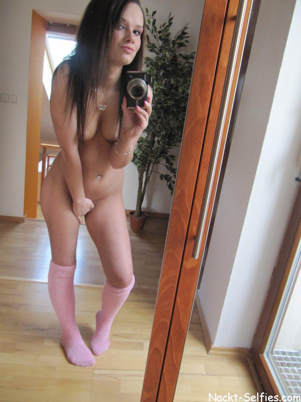 Hübsche blondine nackt