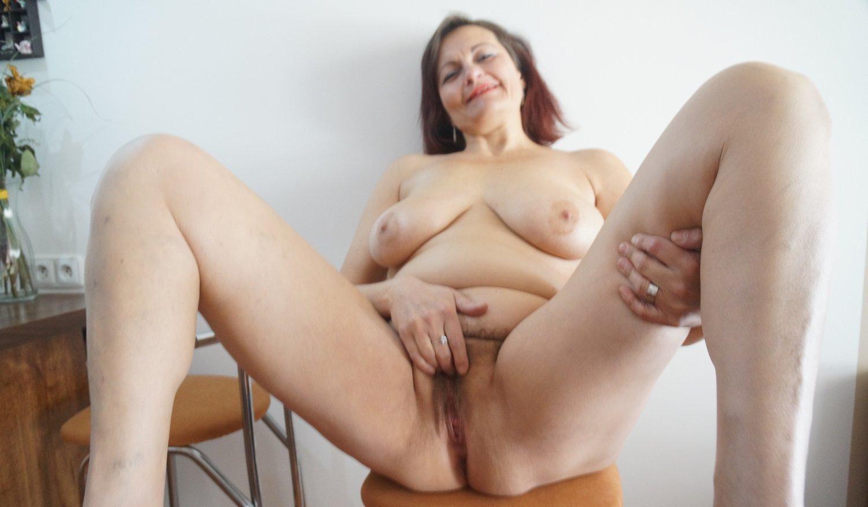 Barbara nackte Mutti Hot or Not