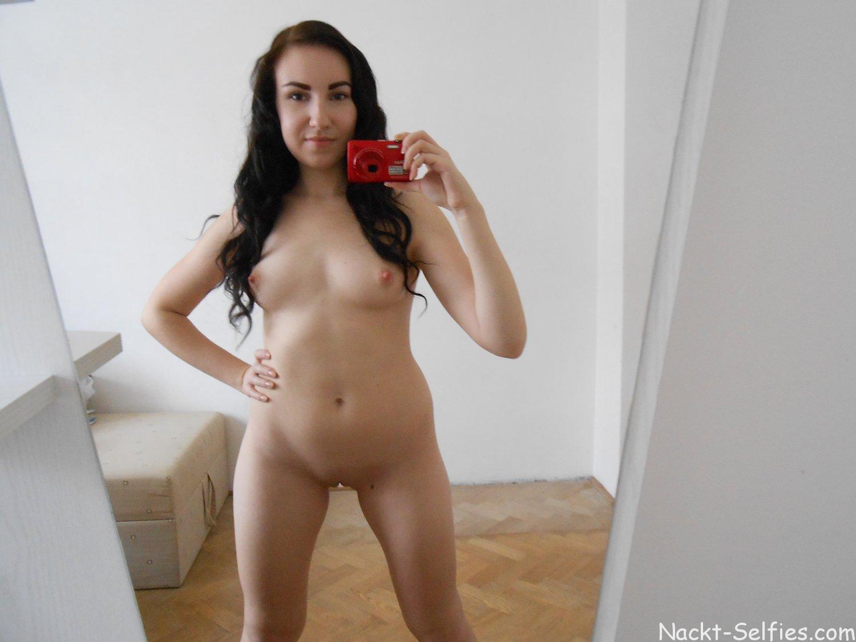 Geile Schülerin Lily nackt Hot or Not