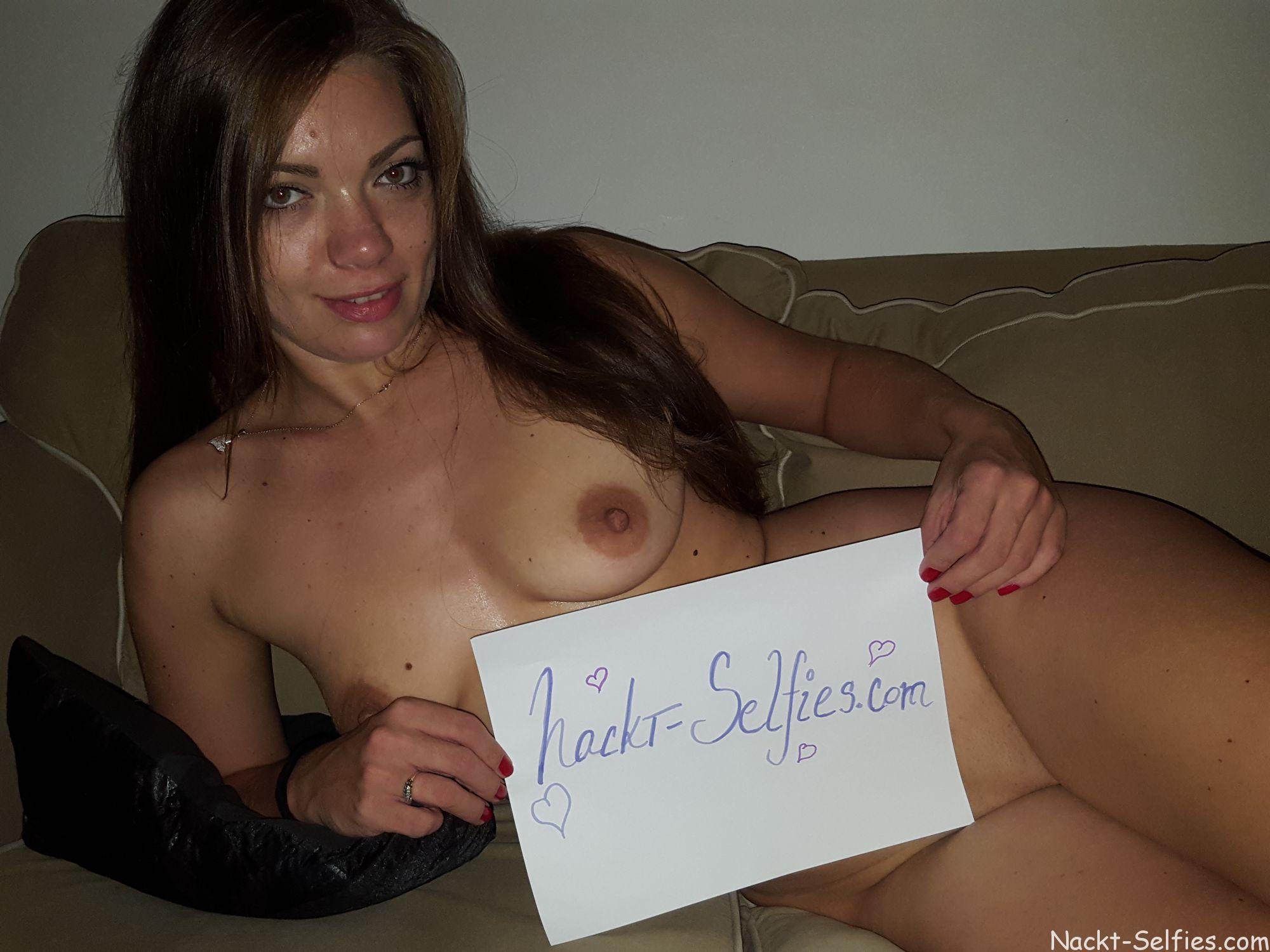 Nackte Frau Kristin Hot or Not