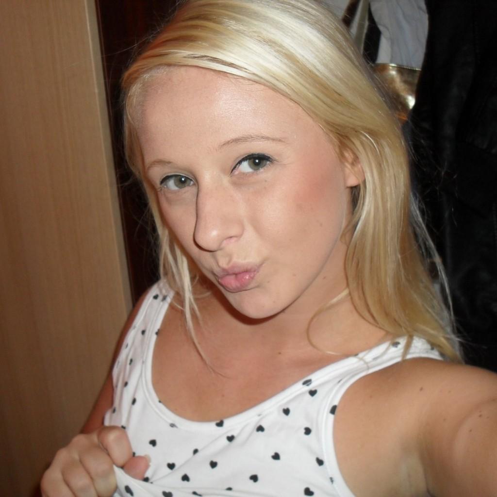 sexy_blondchen_hotornot